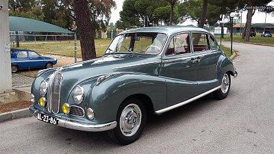 Cliquez sur l'image pour la voir en taille réelle  Nom : BMW-502-02.jpg Affichages :5 Taille :250,3 Ko ID : 23305