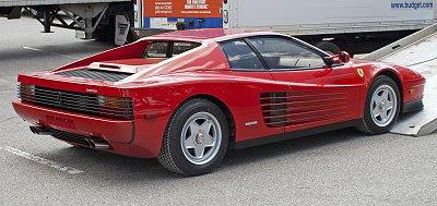 Cliquez sur l'image pour la voir en taille réelle  Nom : 1986_Ferrari_Testarossa_being_unloaded.jpg Affichages :9 Taille :464,1 Ko ID : 22527